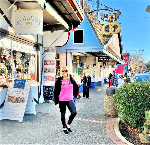 Valentines Day, Valentines Outfit, Chicos Boutiques, Poulsbo WA