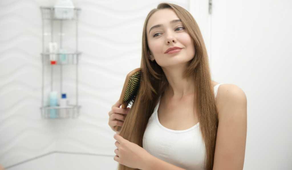 Penyebab dan Cara Mengatasi Rambut Berminyak