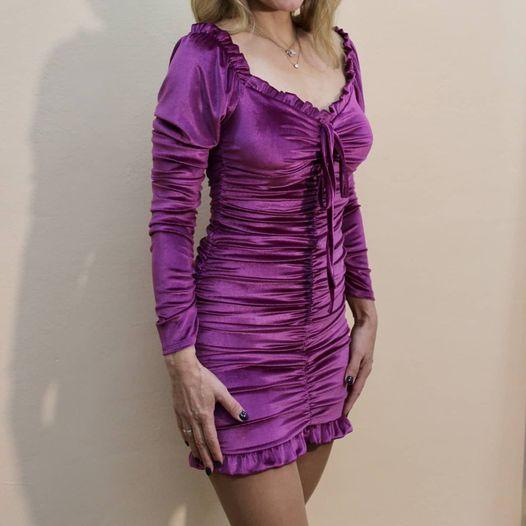 Μοβ-μπορντό mini φόρεμα με μανίκι & ενίσχυση στο μπούστο.