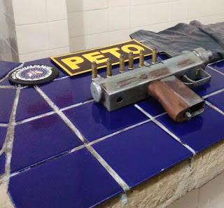 Polícia apreende submetralhadora 9mm