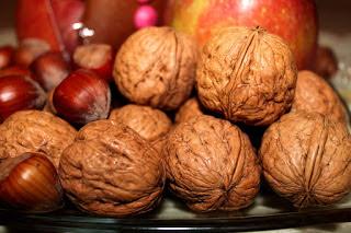 अखरोट घटाये कोलेस्ट्रॉल, Walnut Reducing Cholesterol in Hindi, Reducing Cholesterol by Walnut, akhrot cholesterol ghataye, akhrot cholesterol control kare, रोज का एक अखरोट करें कोलेस्ट्रॉल कंट्रोल, Walnut cholesterol control