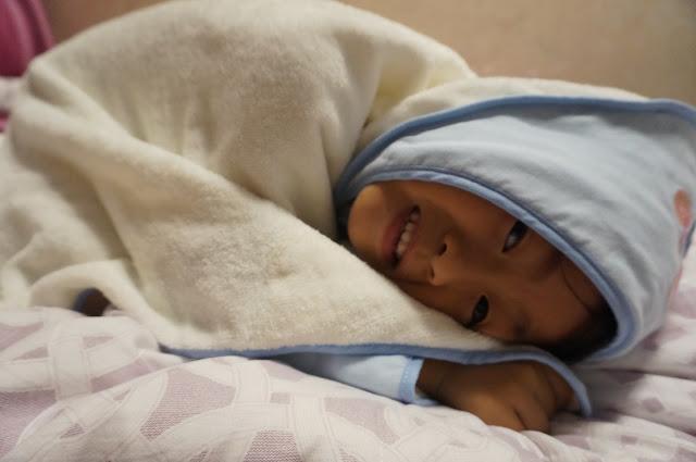 [寶寶好物]Ollobaby 歐羅北鼻小可愛cutie 多功能浴包巾~屎蛋嬌嫩肌膚的守護者