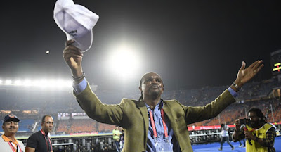 Video : How Kanu Nwankwo stole the show after Nigeria defeated South Africa