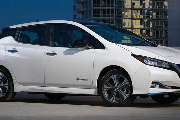 Keunggulan Fitur Nissan Leaf Terbaru sebagai Mobil Listrik 2020
