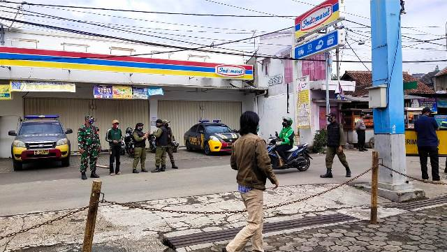 Polsek Ujungberung Gelar Operasi Yustisi Prokes PSBB Kota Bandung