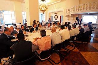 http://vnoticia.com.br/noticia/3490-governador-witzel-se-reune-com-secretariado-para-avaliacao-dos-40-dias-de-governo