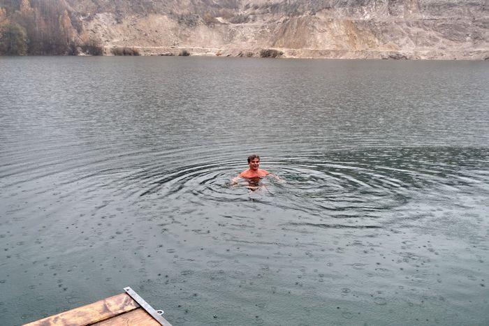 Datování tritiové vody