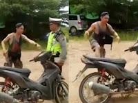 Tak Mau Kena Tilang, Pemuda Ini Salahkan Motornya
