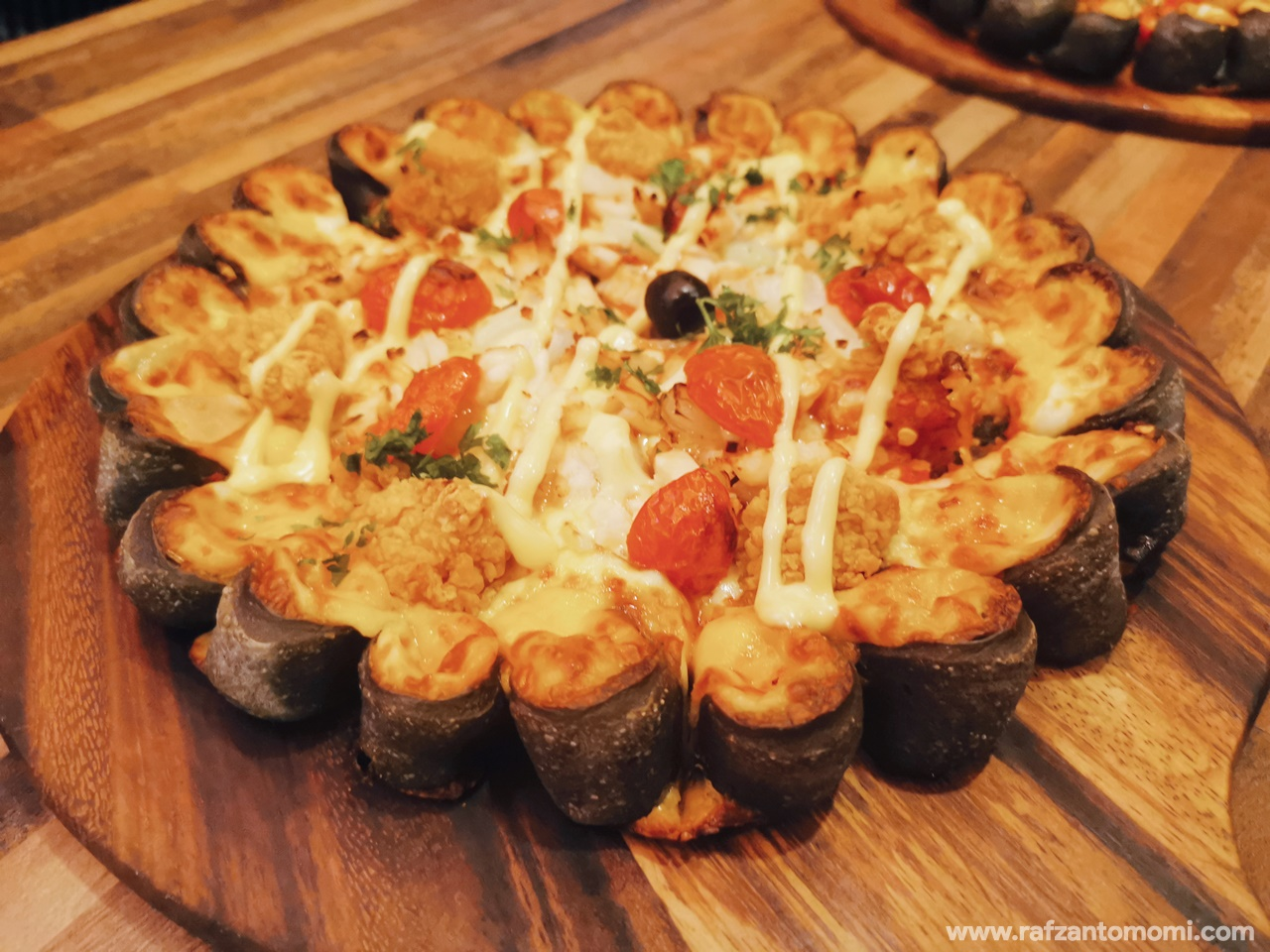 Black Volcano Pizza Bersama Cili?