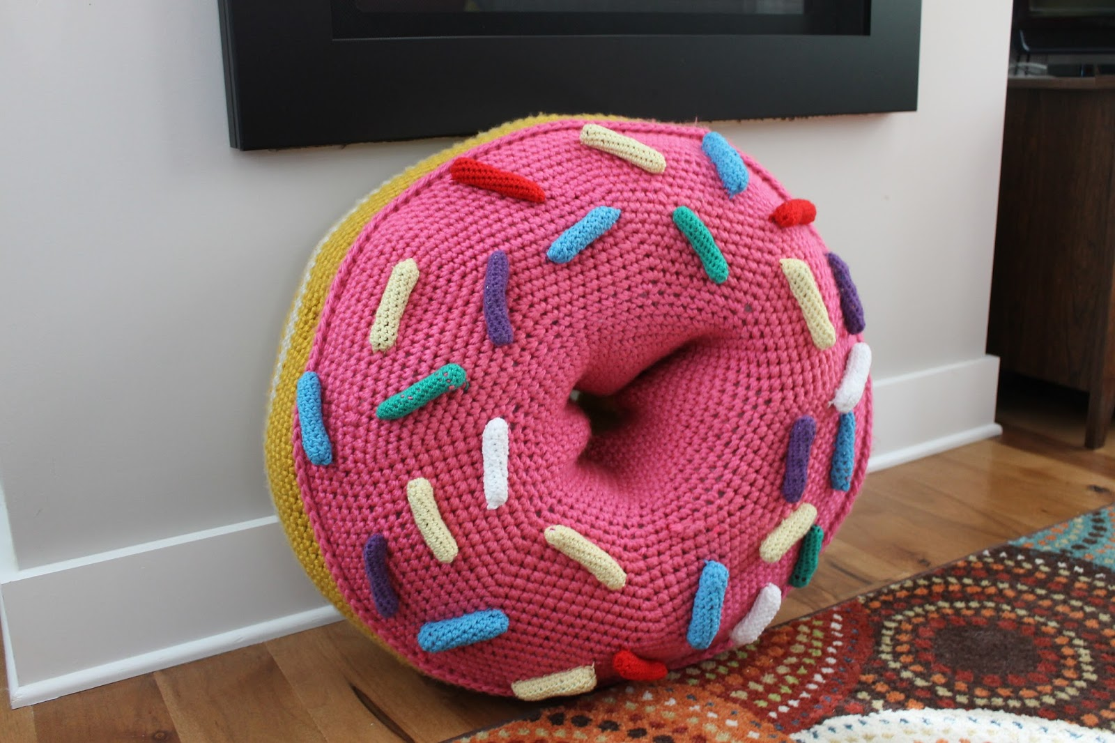 The Feisty Redhead: Crochet Giant Doughnut Floor Pouf