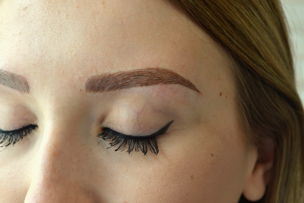 Creating Eyebrows For Hair Loss With Microblading Beauty Pretty