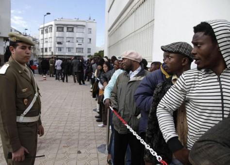 """"""" أمنيستي"""" : المغرب اعتقل و احتجز آلاف المهاجرين في مركز احتجاز غير رسمي."""