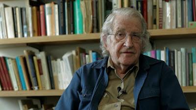 """Noam Chomsky fala sobre a crise financeira internacional de 2008 em """"Incertezas Críticas"""" - Divulgação"""