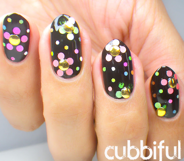 Chic Floral Nails for Spring