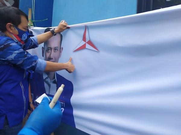 Pengurus Demokrat DKI Cap Jempol Darah: Ini Bentuk Loyal ke AHY!