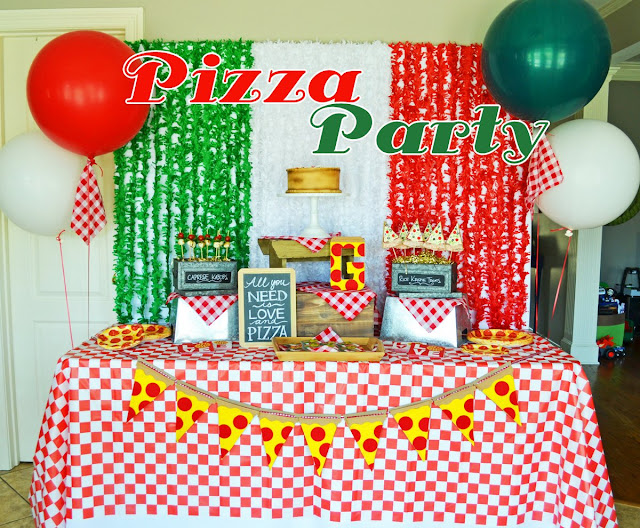 #pizza #pizzaparty #gingham #partyideas #boyparty #greygreydesigns #shindigz #partyinspiration