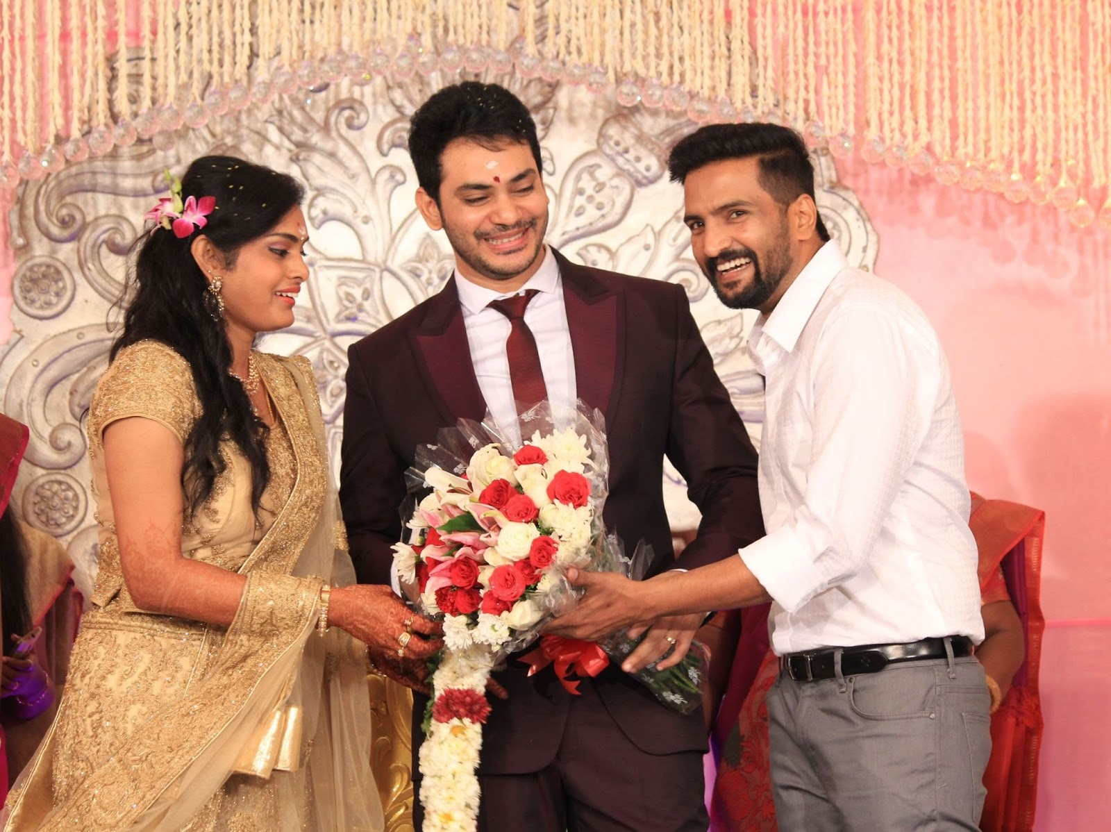 Doctor Turned Actor Sethu And Umayal Wedding Reception Indian