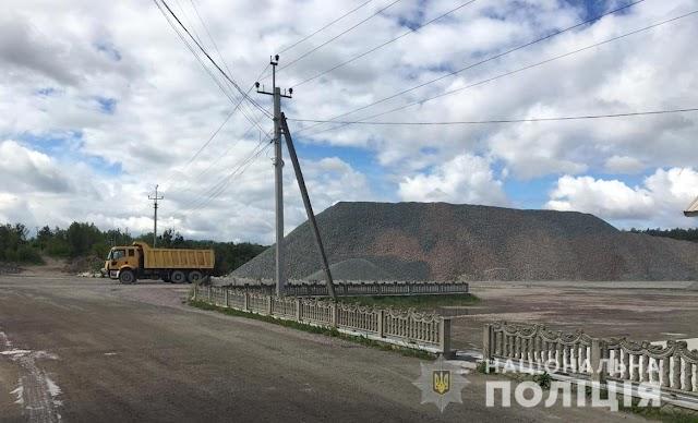 У Макарівському районі вже 12 років незаконно видобувають граніт