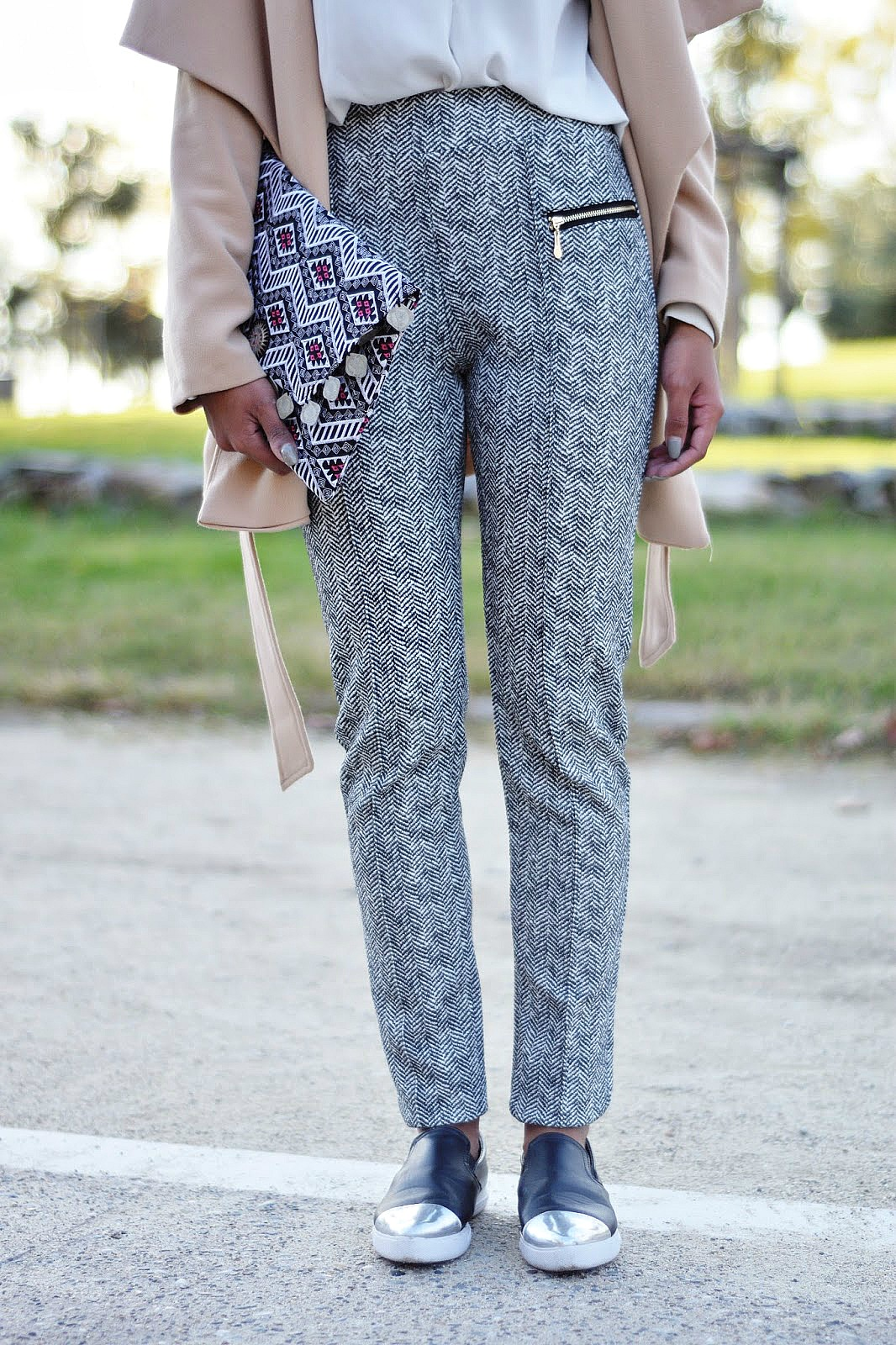how to style pattern pants
