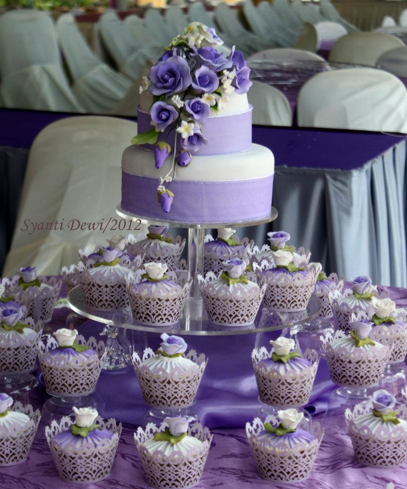 Rumahkue Tie: Purple Wedding Cupcake