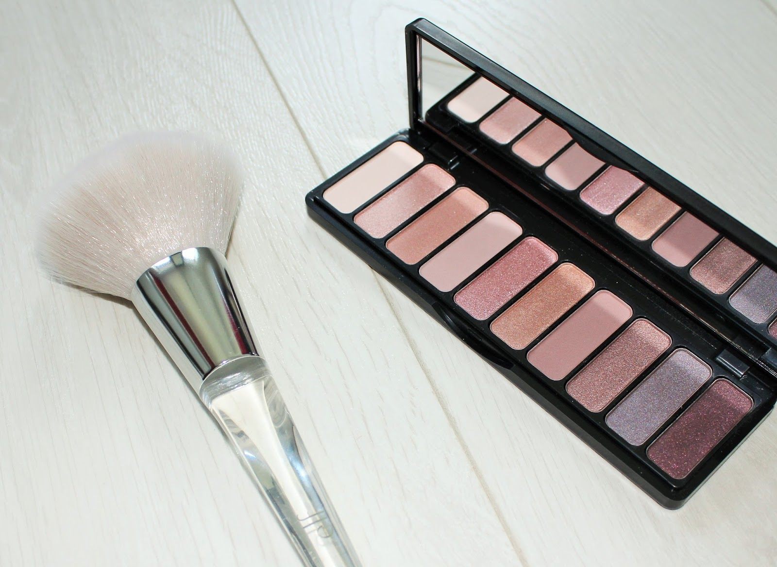 E.l.f. Cosmetics 7 - Nude Rose Gold Eyeshadow Palette