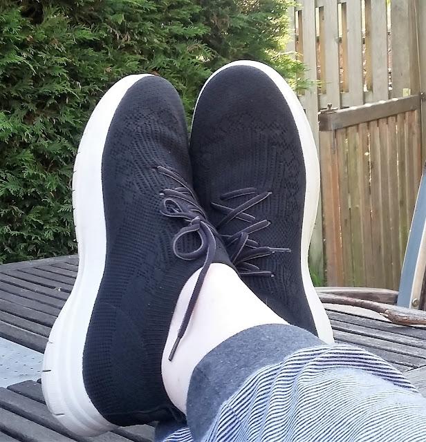 Überknit sneaker in het zwart