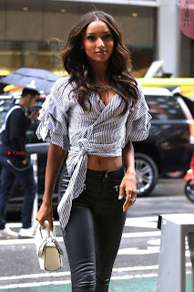 Jasmine-Tookes-Arriving-at-the-Victorias-Secret-fitting-_041+%7E+SexyCelebs.in+Exclusive.jpg