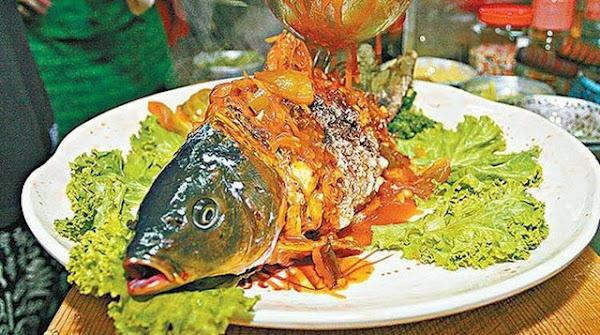 Món cá âm dương nửa sống, nửa chết ẩm thực không dành cho người yếu tim