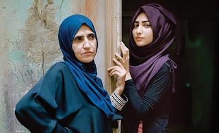 Women in Arab society المرأة في المجتمع العربي