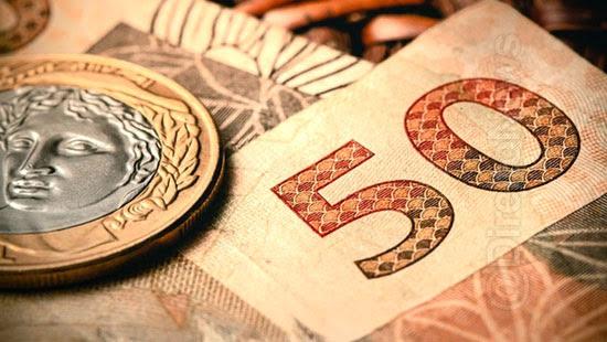 banco juro ano condenado danos morais