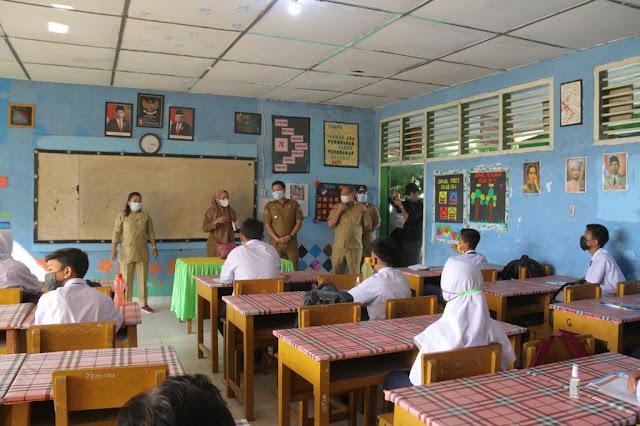 Wagub Sergai Tinjau Simulasi Belajar Tatap Muka di SMP Negeri 1