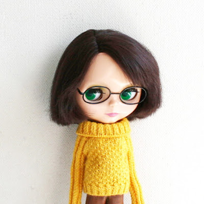 https://www.etsy.com/listing/238168286/blythe-sweater-yellow-handknitted