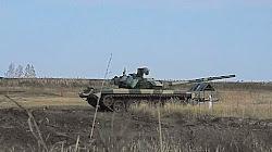 Xe Tank thử nghiệm của Nga chìm dưới nước khiến một tài xế tử vong