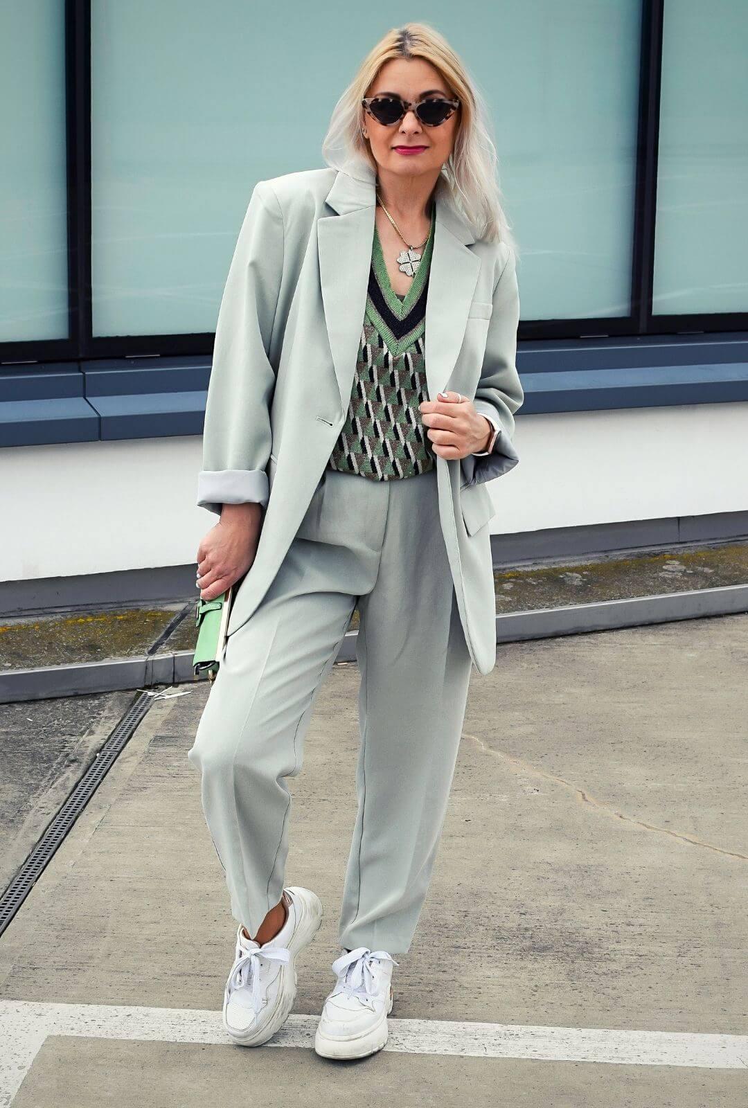 pastell-oversize-anzug