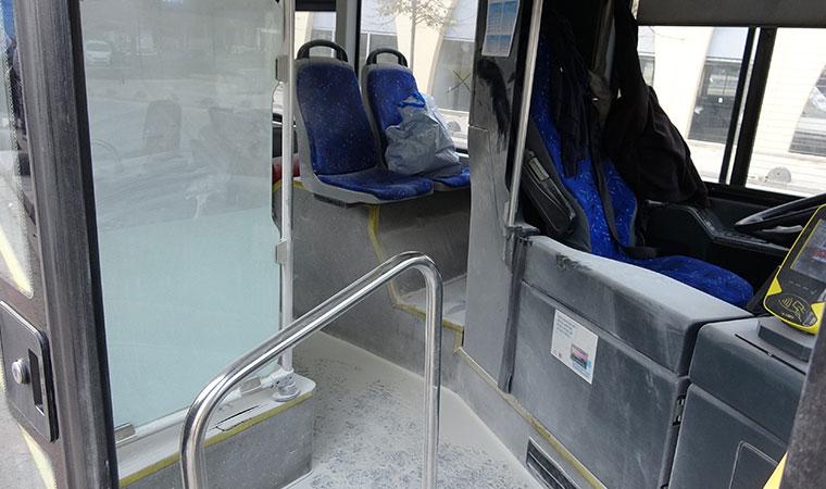 Koltuğa yaslanınca... Otobüste yangın tüpü paniği!