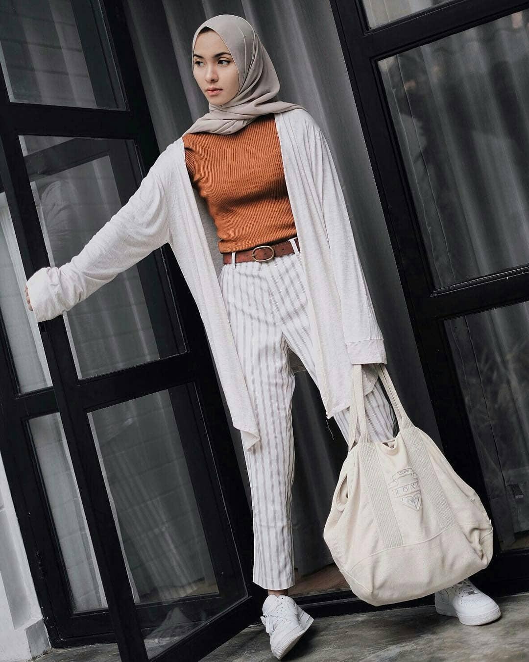20+ Kumpulan Foto Wanita Selebgram Berhijab Cocok Buat di Jadikan Foto Smudge dan Vektor