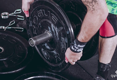 Is weight lifting exercise affect CSR in eyes?