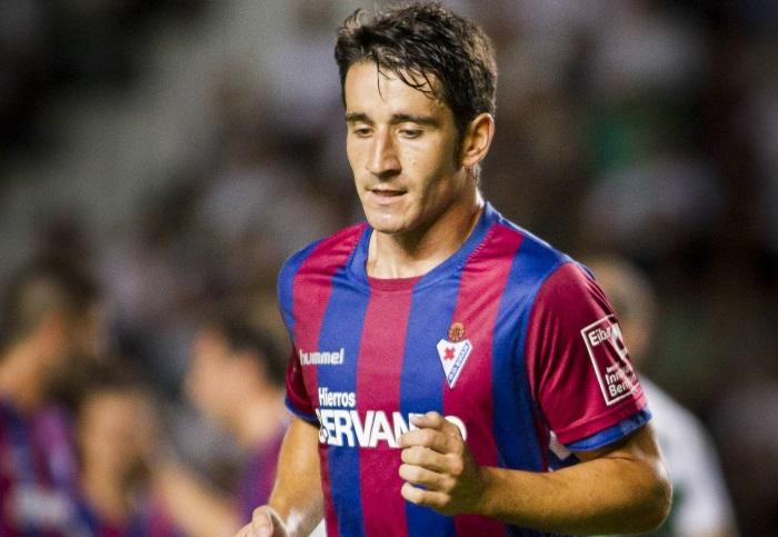 Saúl Berjón nuevo delantero de Pumas