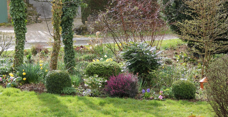 doubs jardin le plan d 39 un jardin des 4 saisons. Black Bedroom Furniture Sets. Home Design Ideas