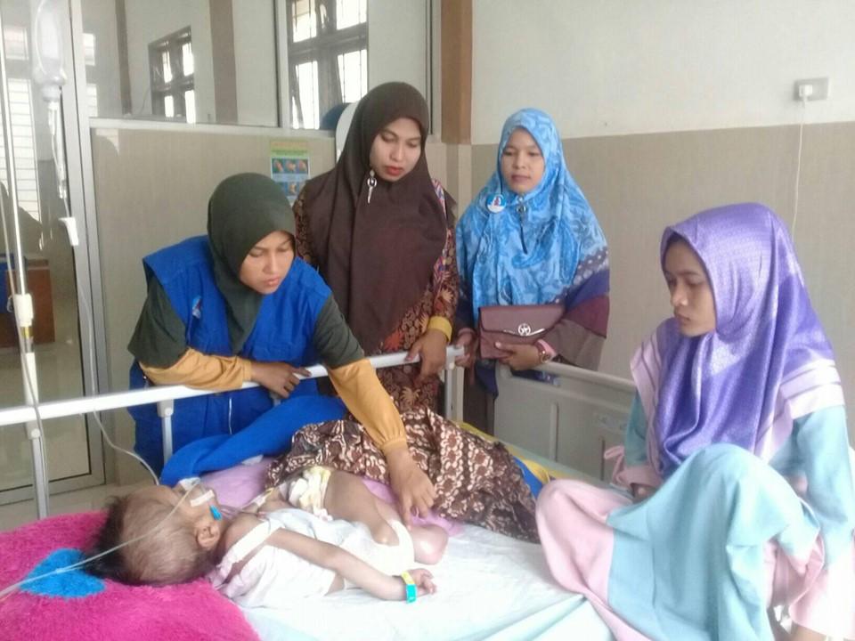 M. Yusuf anak yatim dari keluarga kurang mampu, saat ini sedang menjalani perawatan disalah satu dirumah sakit Aceh Timur
