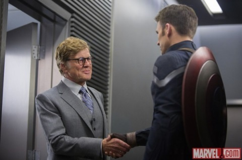 PIERCE (ROBERT REDFORD) Y ROGERS (EVANS)
