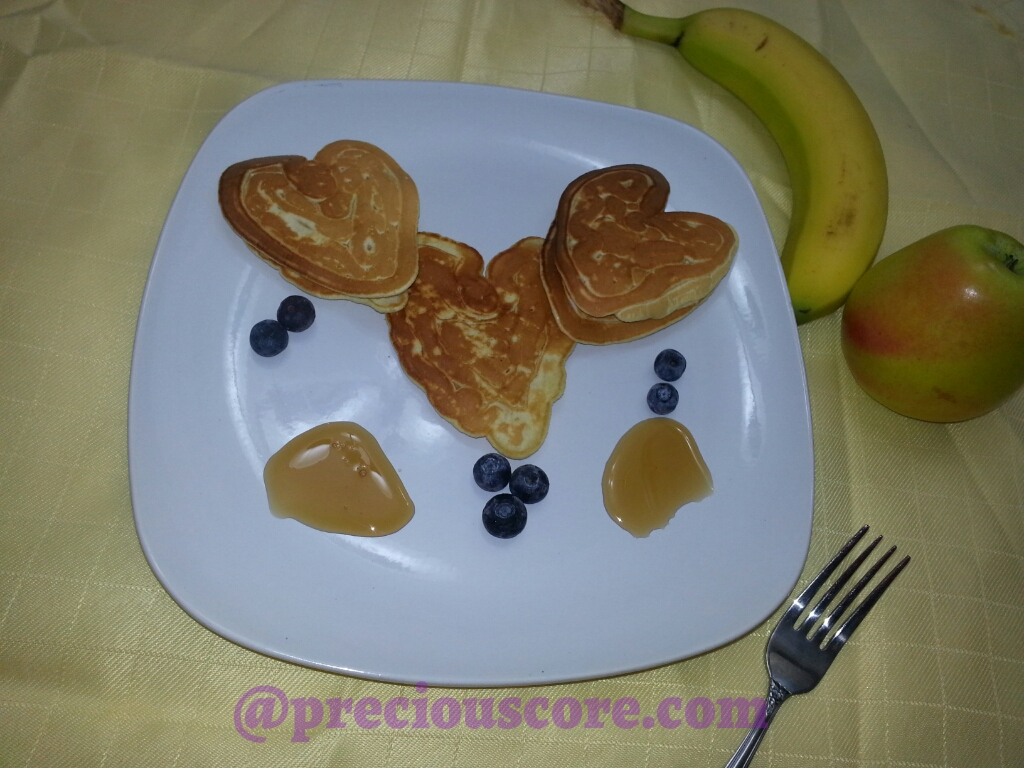 EASY HEART SHAPED PANCAKES FOR VALENTINEu0027S DAY