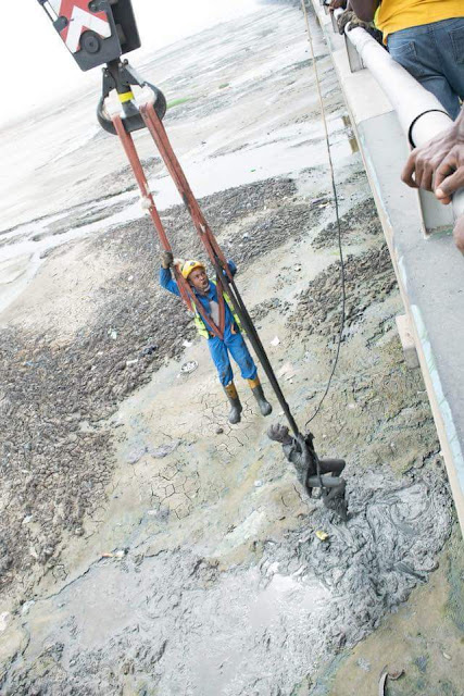 Photos: LASEMA recognizes Emergency respondents for their bravery in the rescue of man trapped in swamp under 3rd Mainland bridge
