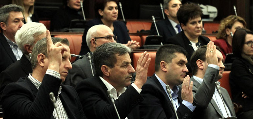 Parliament committee votes to strip six VMRO-DPMNE MPs of their immunity