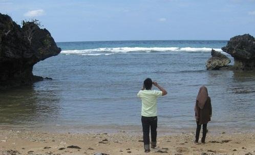 Pantai Tanjung Kodok Legendaris Di Lamongan - Jawa Timur Indonesia
