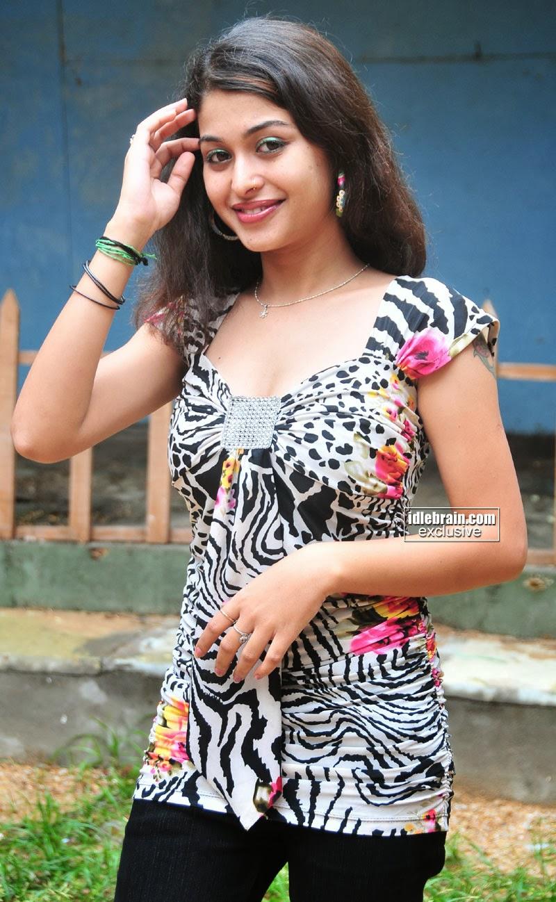 Indian Garam Masala New Item Girl Naga Shri Hot Navel