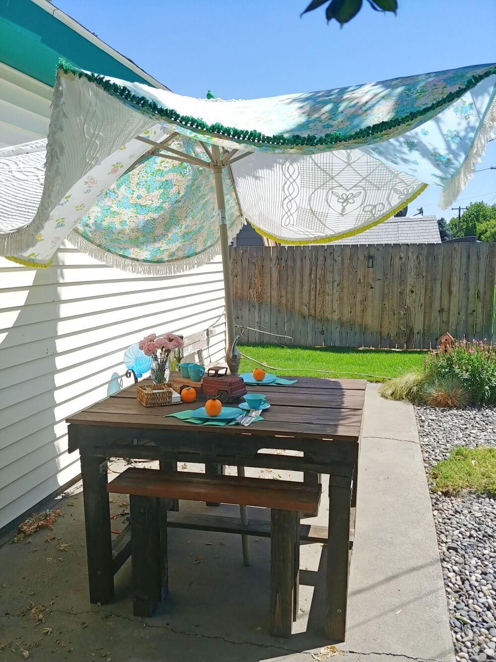 patio table umbrells