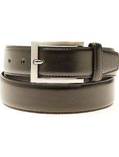 http://www.kiabi.es/cinturon-liso-de-piel-sintetica-tallas-grandes-hombre_P486711#C486710