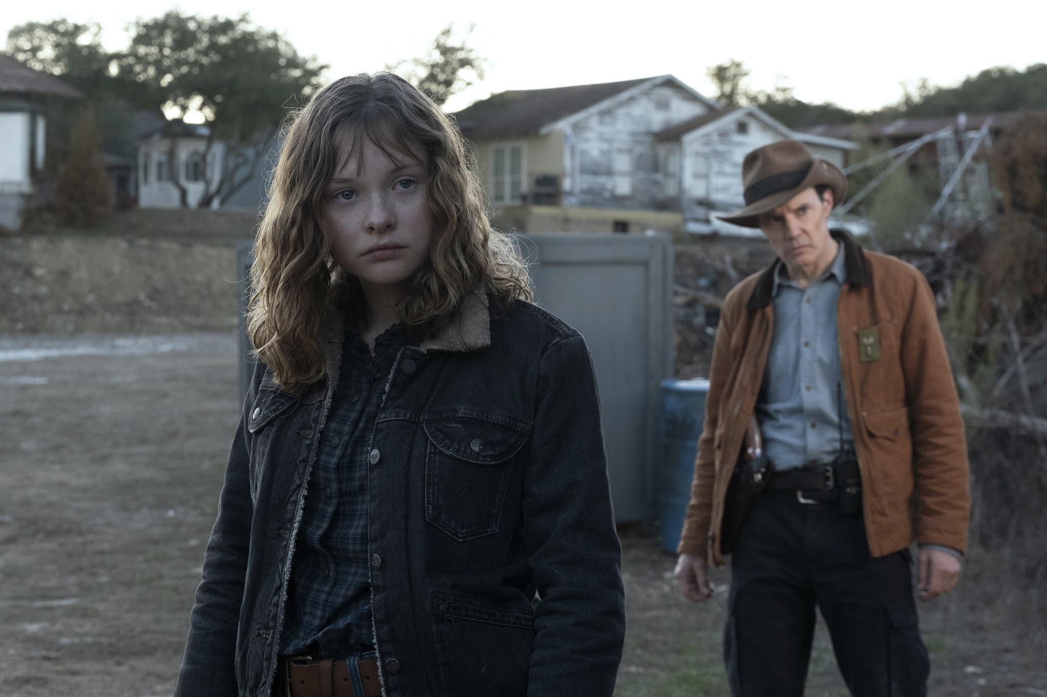 Dakota, la hermana de Virginia, se posiciona con Alicia y Victor en el episodio 6x02 de Fear The Walking Dead