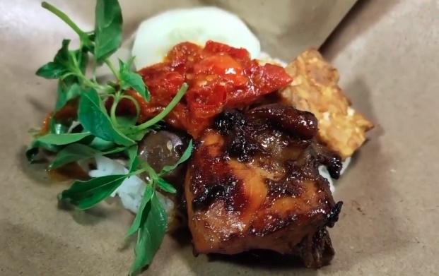 Resep Nasi Bungkus Ayam Bakar Kecap, cocok untuk usaha kecil-kecilan